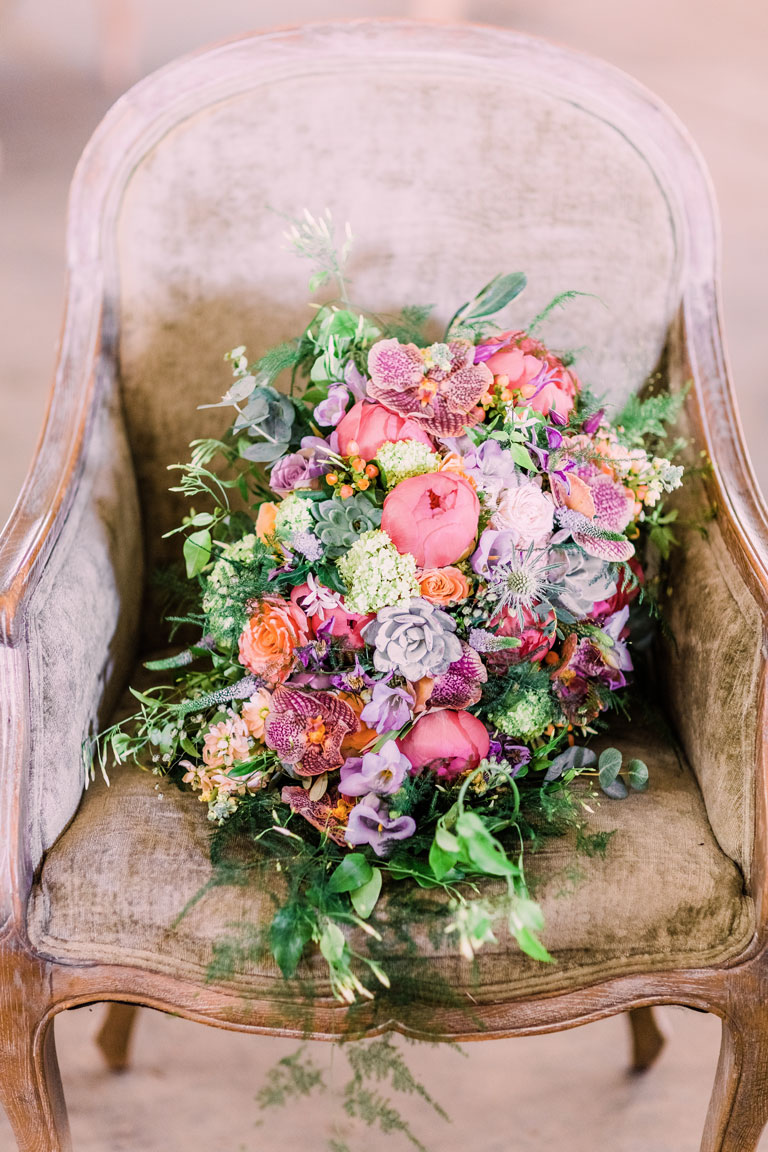 amie bone flowers jewish wedding in bicester
